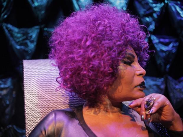 Elza Soares: uma conversa com a cantora negra que desconhece a palavra tristeza