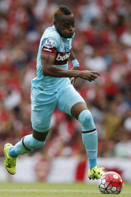 Diafra Sakho denunciou racismo de dirigente do West Ham Foto: ADRIAN DENNIS / AFP