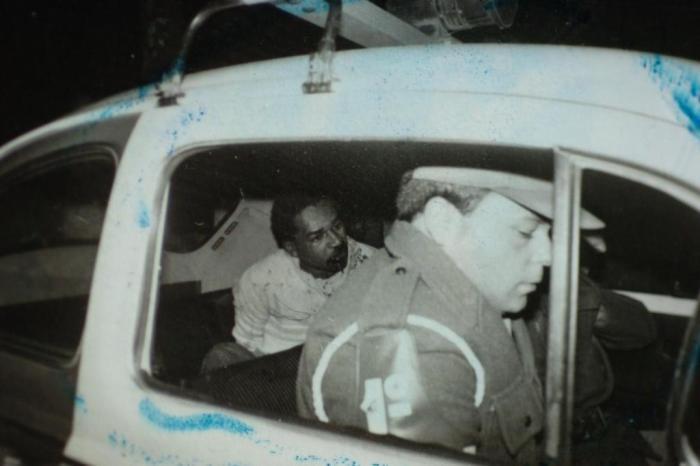 """Documentário """"O Caso do Homem Errado"""" relembra execução de operário negro pela Polícia Militar"""