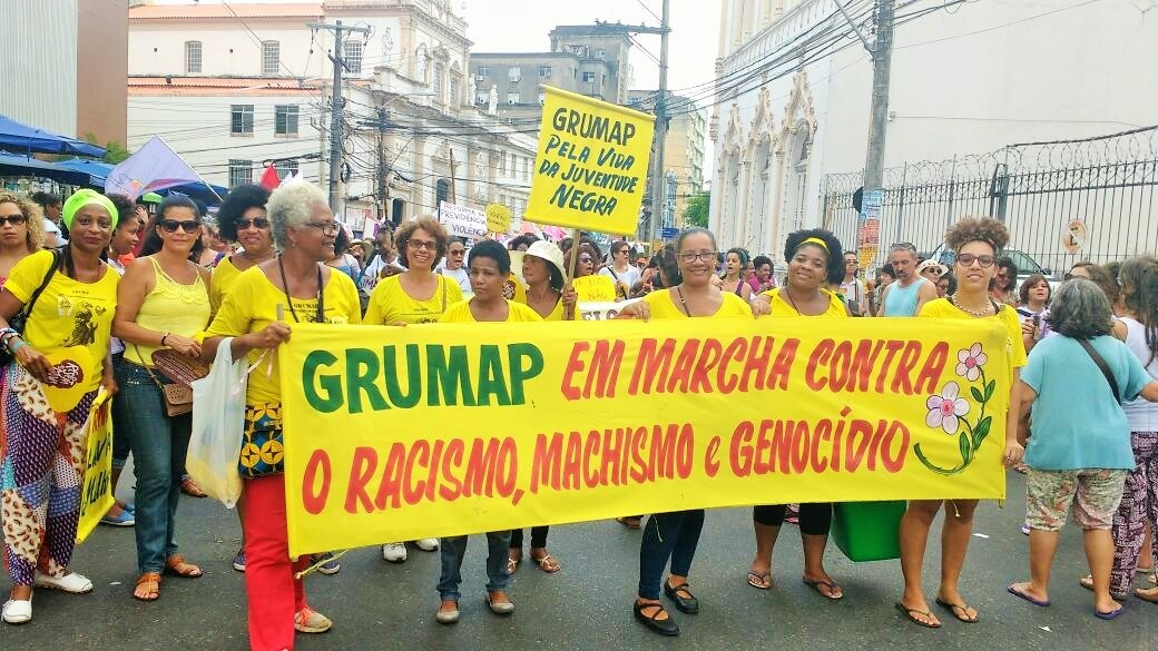 Em Salvador, mulheres vão às ruas contra o racismo e o genocídio