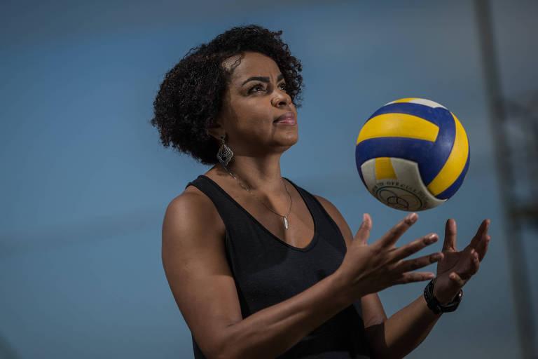 Ser um atleta medalhista olímpico não apaga sua cor, diz ex-levantadora Fofão