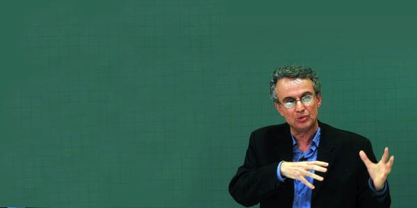 Meritocracia é discurso para manter a desigualdade social e racial, revela historiador