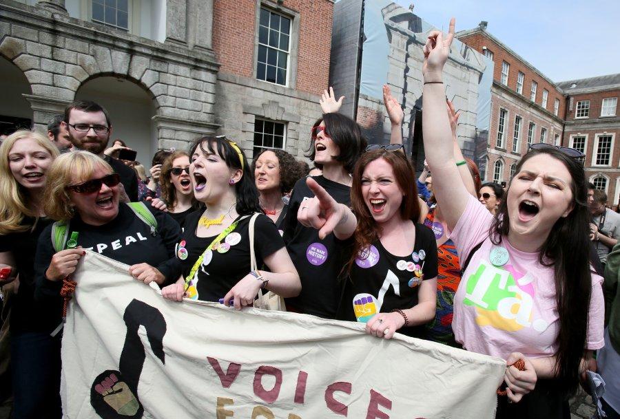 O 'sim' para o aborto e as imagens da comemoração das mulheres na Irlanda