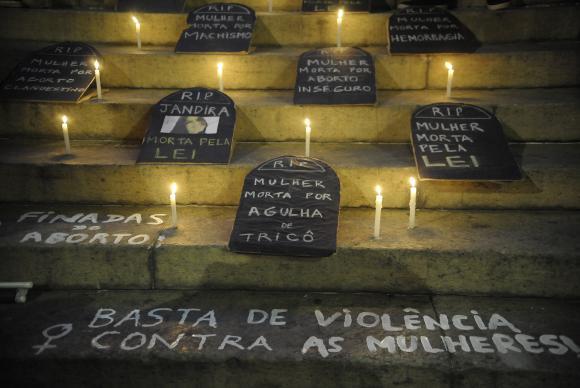 Feminícidio ou sobre os homens que não amam as mulheres (por Misiara Oliveira)