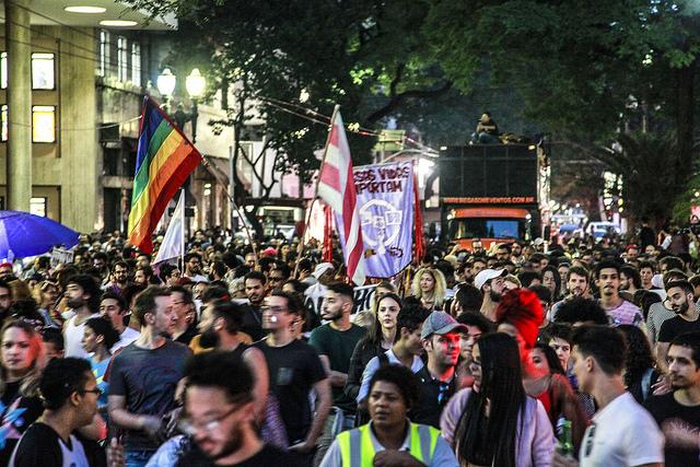 1ª Marcha do Orgulho Trans reúne milhares de pessoas no Largo do Arouche em São Paulo