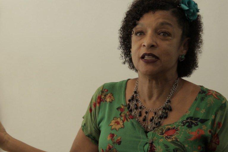 """Elisa Lucinda: """"As portas estão fechadas para os negros"""""""