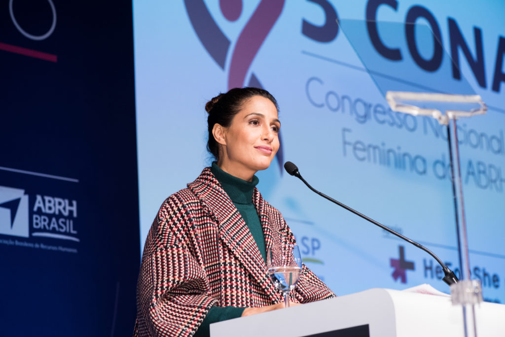 Camila Pitanga denuncia 'discriminação sistemática' contra mulheres no mundo do trabalho