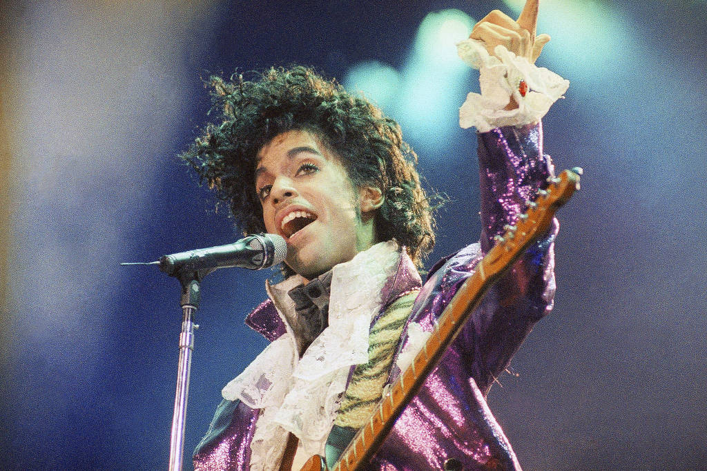 Em voz e piano, disco gravado por Prince em 1983 será lançado em setembro