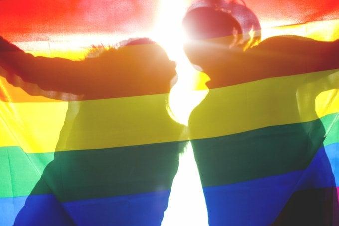 Metade dos brasileiros não sabem o que significa ser trans, diz pesquisa