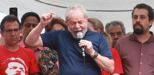 Artigo do Lula na Folha de S.Paulo: Afaste de mim este cale-se