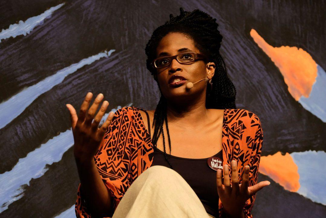 Djamila Ribeiro defende feminismo negro em mesa sobre feminicídio e lembra Marielle Franco: 'racismo institucional'