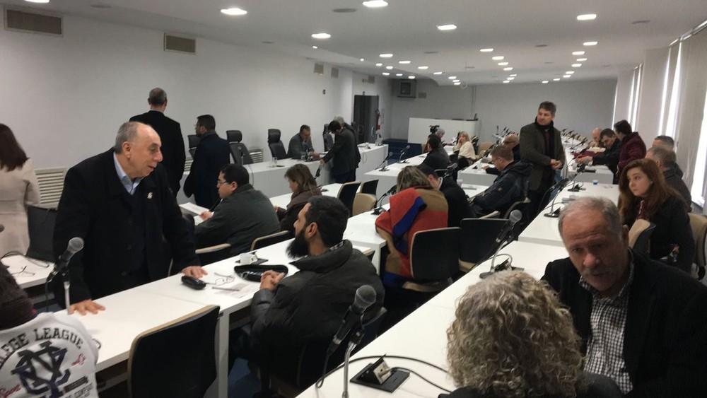 A reunião do conselho aconteceu depois de a segurança ter sido reforçada na reitoria (Foto: Maurício Rebellato/RBS TV)