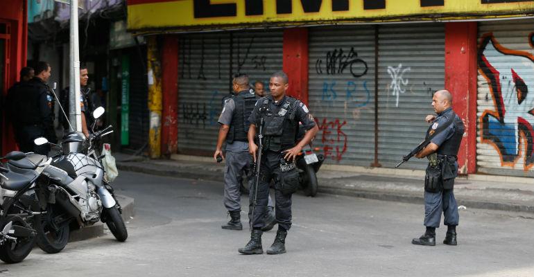 Polícia reconhece que aborda mais negros, mas nega racismo