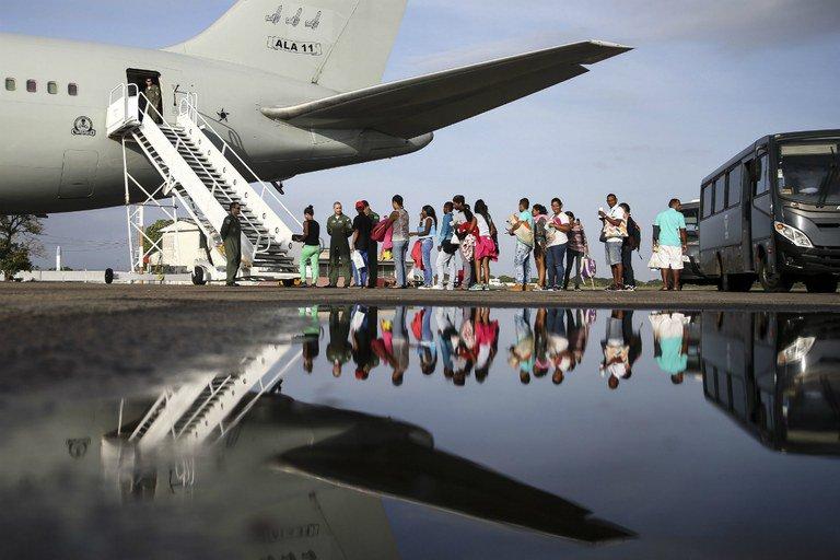 Venezuelanos embarcam para São Paulo