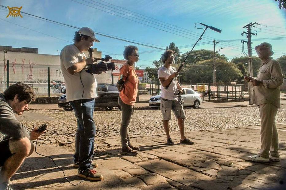 'O Caso do Homem Errado' é apaixonante acréscimo à discussão sobre racismo no Brasil