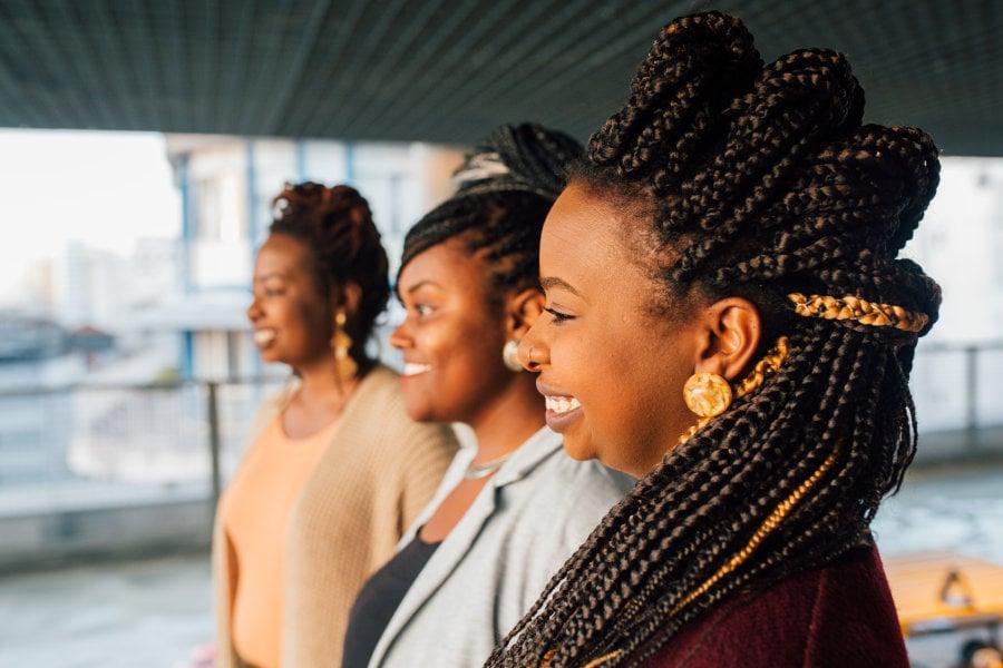 """CAROLINE LIMA/ESPECIAL PARA O HUFFPOST BRASIL Ana Caroline, Odara e Amanda contam a 147ª história do projeto """"Todo Dia Delas"""", que celebra 365 Mulheres no HuffPost Brasil."""