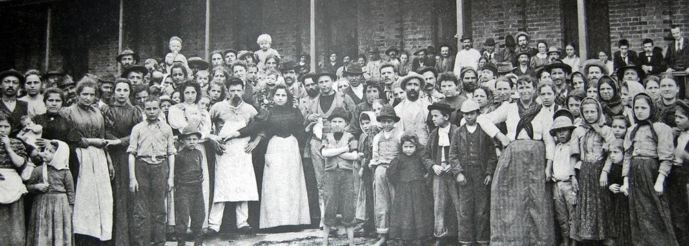 imagem retirada do 247:https://www.brasil247.com/pt/247/revista_oasis/364013/Imigrantes-italianos-Quando-os-refugiados-eram-eles.htm