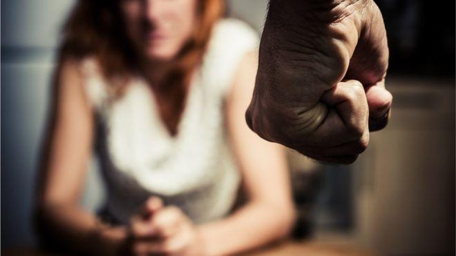 Intervir em briga de casal pode salvar vida, diz juíza
