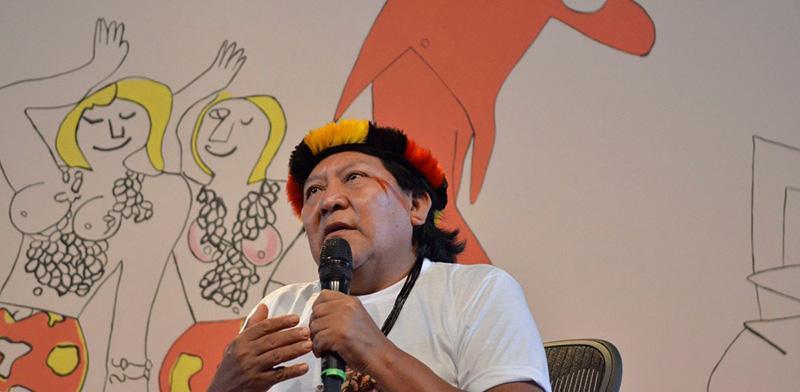 Professor de Filosofia lança livro em que compara conceito de ''mundo'' para ocidentais e ameríndios