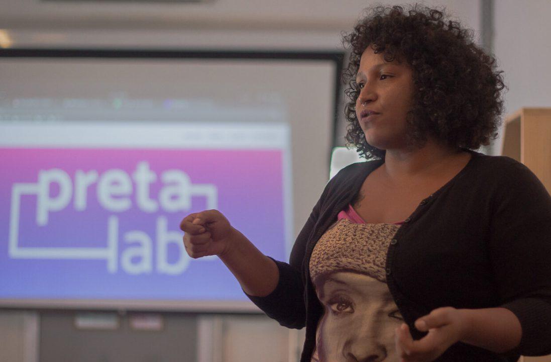Como a falta de mulheres negras na inovação pode aumentar a desigualdade social