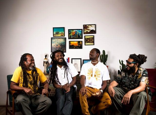Grupo Senzala Hi-tech apresenta hip hop percussivo e tecnológico em Sorocaba
