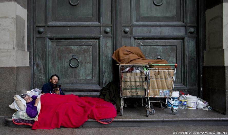 Pobreza urbana na Argentina sobe para 27,3% no primeiro semestre