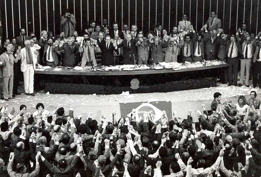 Constituição 30 anos: analistas veem texto generoso em direitos, mas sem aplicação plena