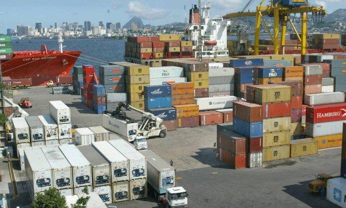 Comércio exterior chinês cresce, apesar de tarifas dos EUA