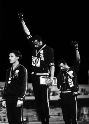 Protesto de Tommie Smith e John Carlos marcou Jogos Olímpicos de 1968, no México (Foto: John Dominis)