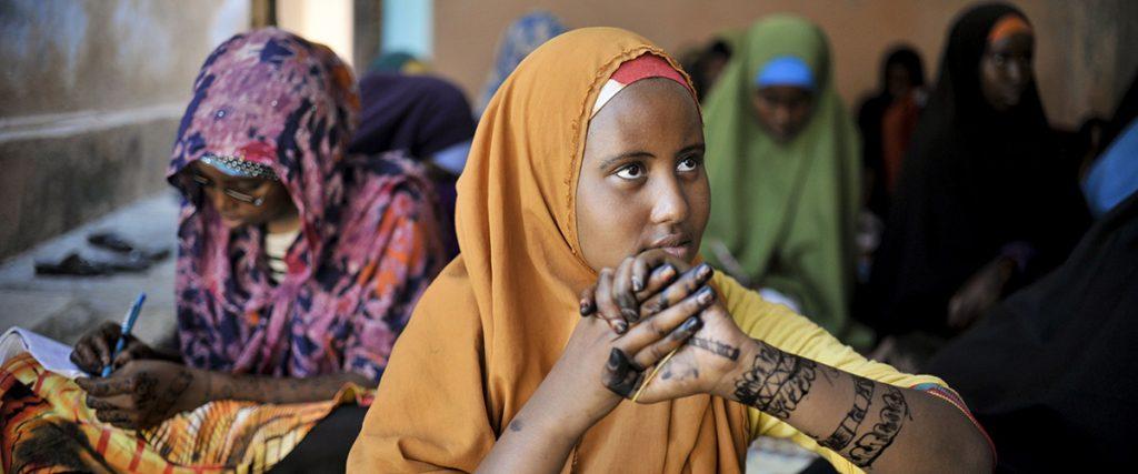 Estereótipos e discriminação impedem meninas de realizar seu potencial, diz ONU