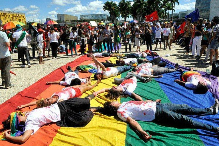Transexuais da América Central buscam refúgio nos EUA