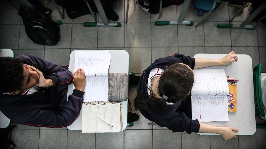 Mesmo com avanços, quase 40% não têm ensino médio completo aos 19 anos