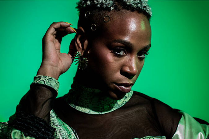 Negras podem falar de outras coisas além de racismo e feminismo, diz Karol Conka