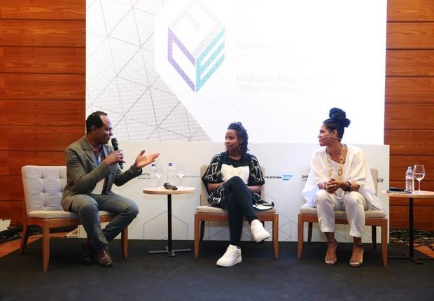 """""""As empresas querem ganhar dinheiro ou manter o racismo?"""", instiga Monique Evelle"""