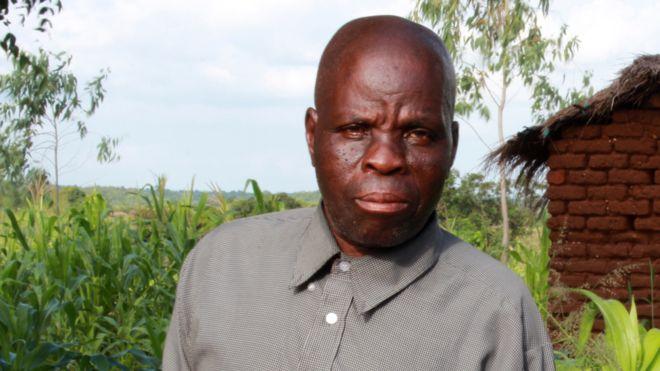 Byson Kaula quase foi executado três vezes, mas sobreviveu até que o Malauí abolisse a pena de morte (Foto: BBC)