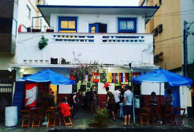 Funcionárias do bar Ursal, em BH, sofrem racismo e delegacia não inclui no B.O.