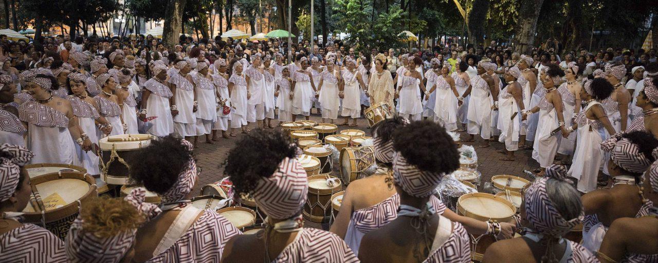 Criei um exército de armas harmônicas, diz presidente do bloco Ilú Obá de Min