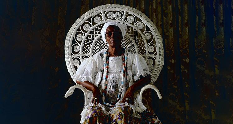 Mãe Hilda Jitolu, do Ilê Aiyê (Foto: Mario Cravo Neto/Divulgação Itau Cultural)
