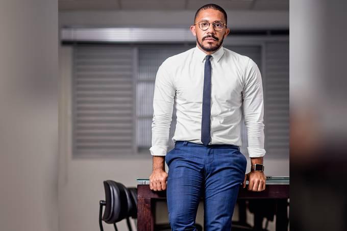 Não é vitimismo! Thiago de Souza Amparocomenta as discussões sobre racismo que tomaram as redes sociais nas últimas semanas