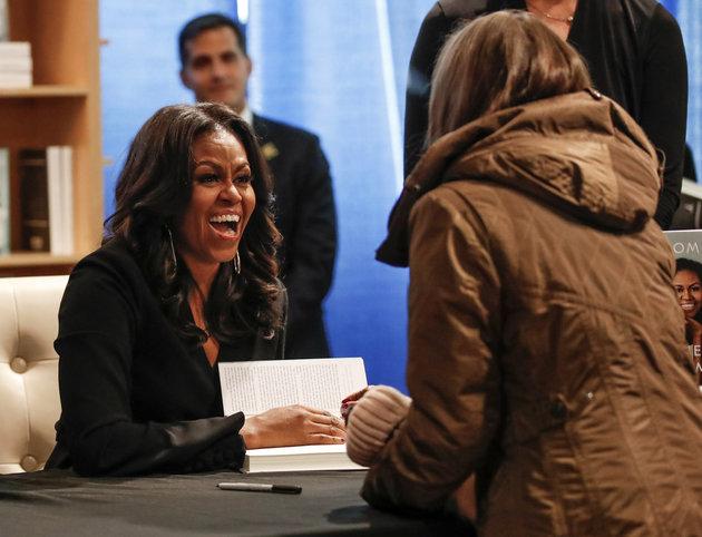 Livro de Michelle Obama pode se tornar a autobiografia mais vendida da História