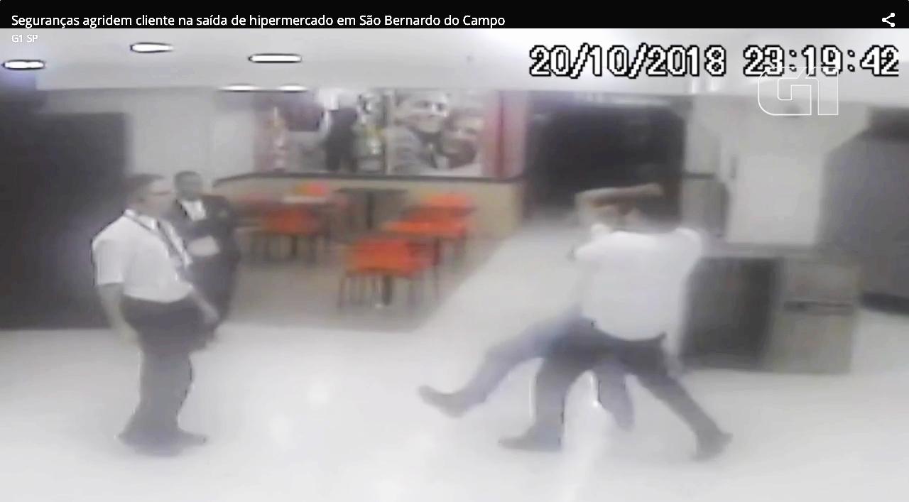 Mesmo após ter pago suas compras, cliente é agredido com