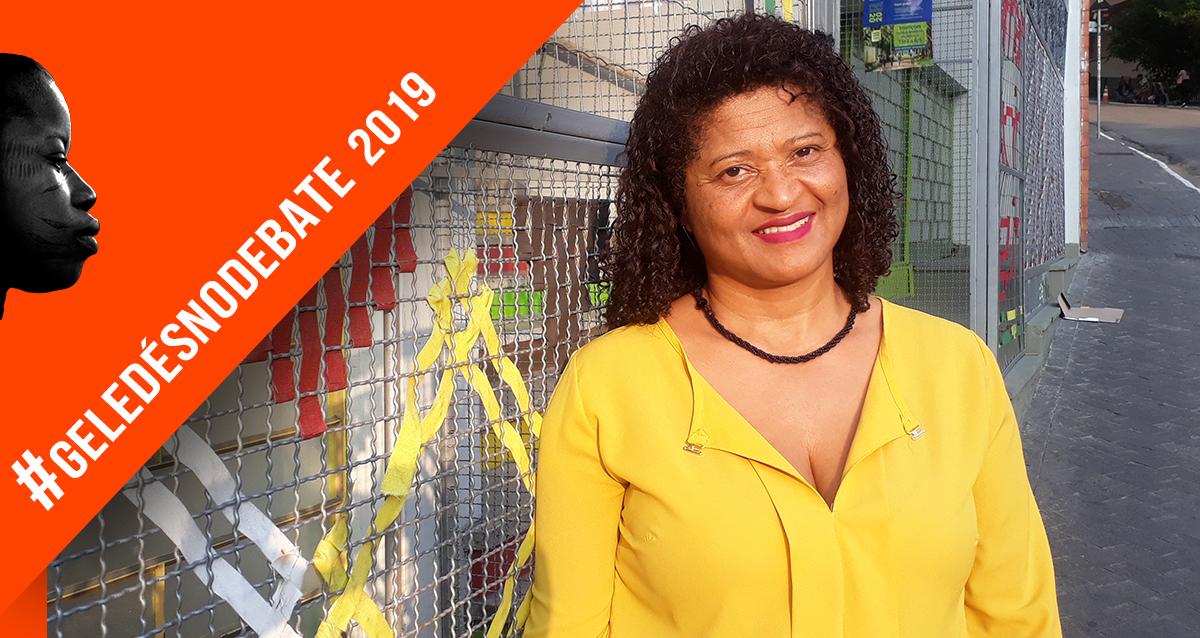 """""""Há um racismo velado, naturalizado, e por muitas vezes explícito na escola"""", diz Elenir Fagundes Freitas"""