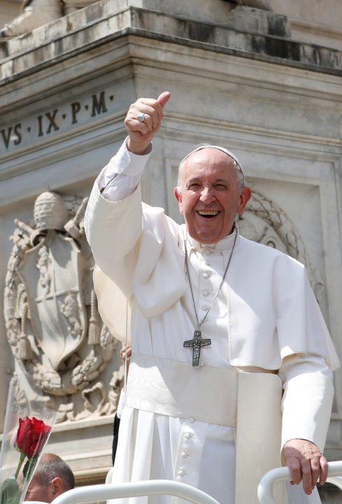 Papa nomeia mulheres para cargos-chave no Vaticano pela primeira vez