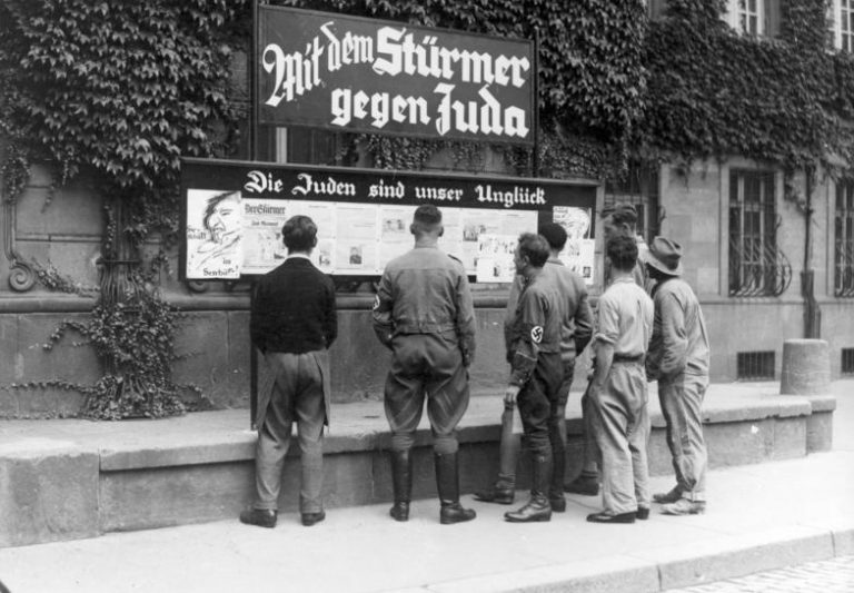 Preconceitos e notícias falsas marcam origens do antissemitismo na Alemanha já no século 19