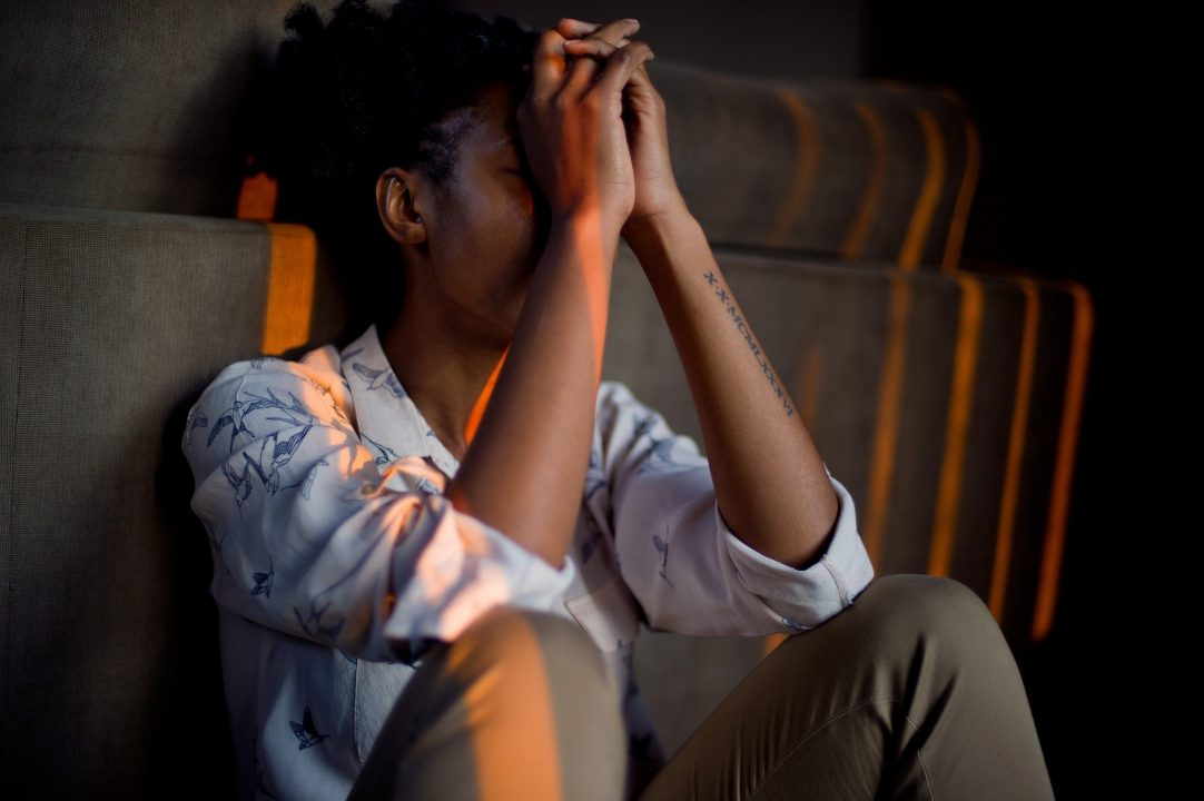 Índice de suicídio entre jovens e adolescentes negros cresce e é 45% maior do que entre brancos