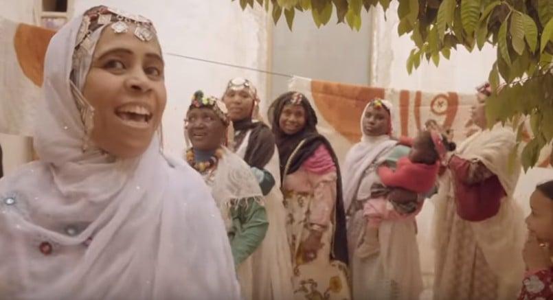 As mulheres marroquinas por trás dos tecidos e cerâmicas da Dior