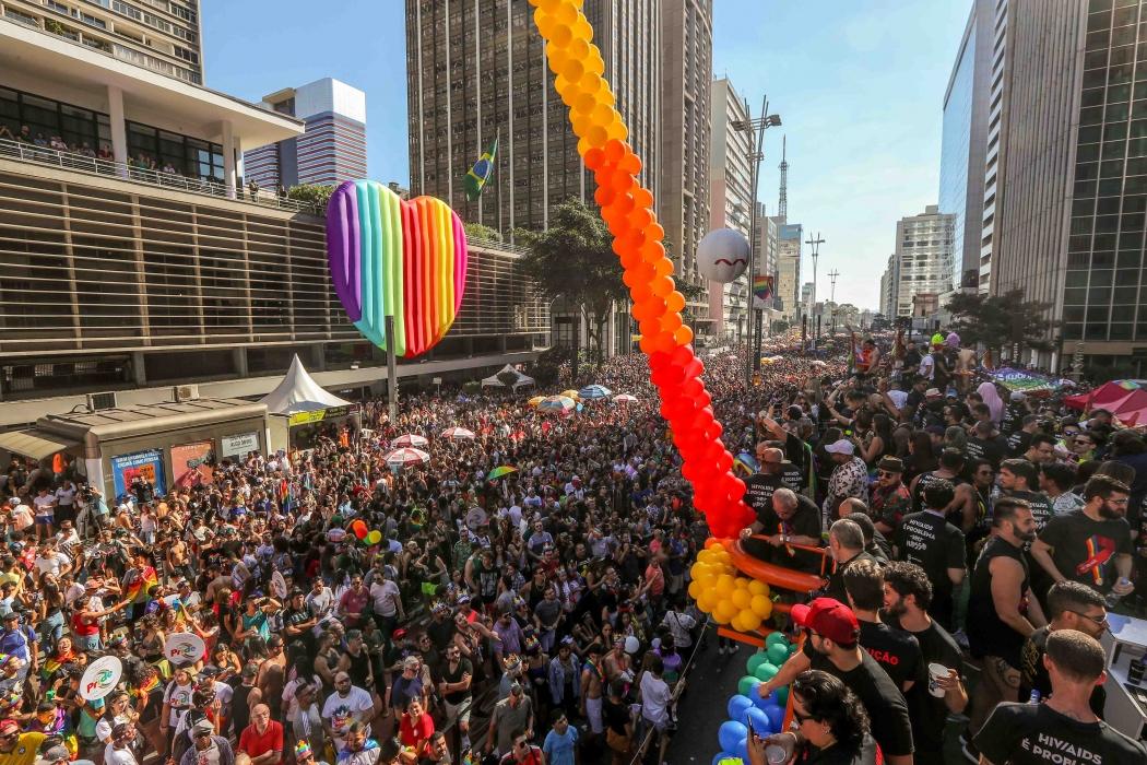 Parada LGBT reúne 3 milhões de pessoas em São Paulo
