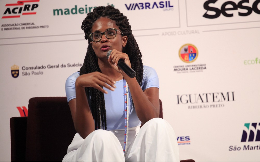 Djamila Ribeiro critica combate seletivo ao preconceito