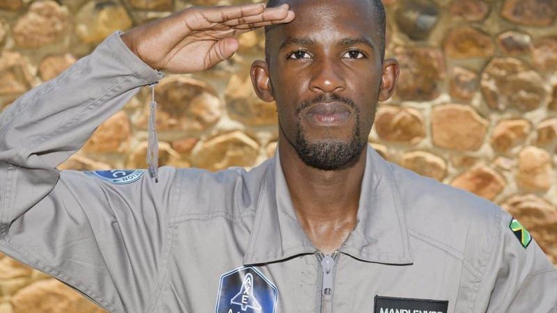Morreu sul-africano que aspirava a ser o primeiro africano negro a viajar no espaço