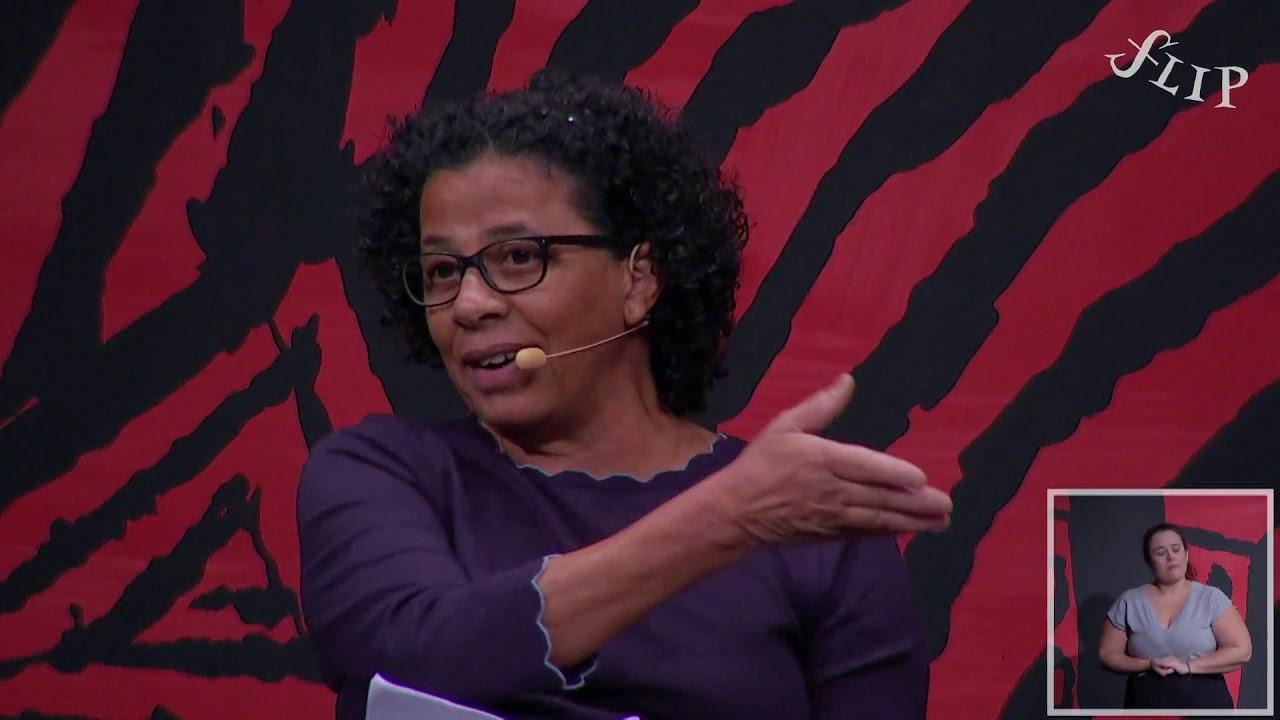 Flip 2019: Aplaudida de pé, Marilene Felinto diz que levou décadas para superar o racismo brasileiro